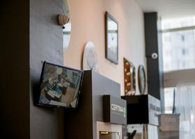 IP-камера Optimus IP-E021.3 и монитор видеонаблюдения (2)